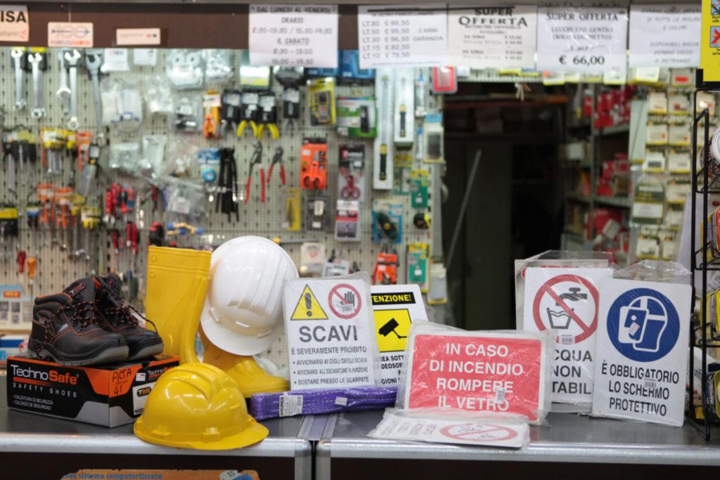 Ferramenta Conca d'Oro a Roma reparto antinfortunistica